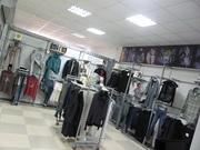 Продаю Б/у торговое оборудование для магазина одежды