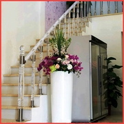 Перила и ограждения из акрила  для лестниц  на второй этаж.