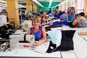 Женщины на Завод по Производству Компонентов для Автомобилей Peugeot и