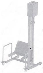 Столбовой подъемник для тележек правый