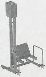 Столбовой подъемник для тележек левый